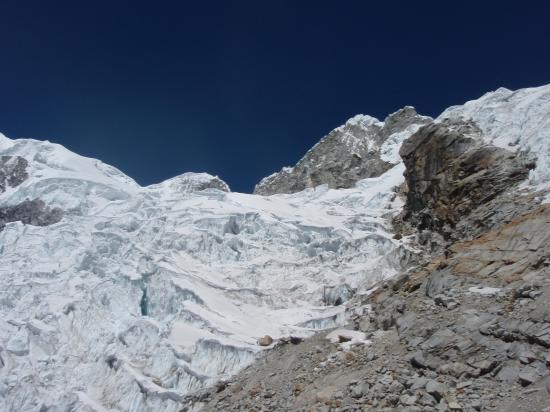 glacier d'accés à l'arête du Chopicalqui