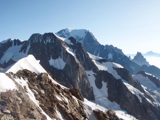 Un matin vers le Dôme de Glaciers, vue sur la Mont Blanc