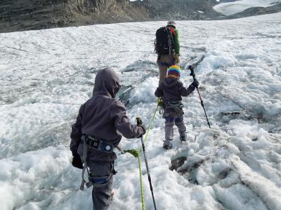 rando-glaciaire-en-famille-glacier-du-grand-mean-4.jpg